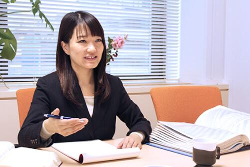 女性弁護士 岬宏美